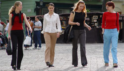 The Daily Trot! 5 Things You Should Do on Your Walk Home from Work